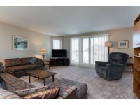1A51 Robson Ct-MLS_Size-004-8-Living Room-533x415-72dpi