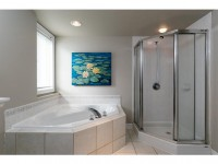 1A51 Robson Ct-MLS_Size-015-6-Master Bedroom Ensuite-533x415-72dpi